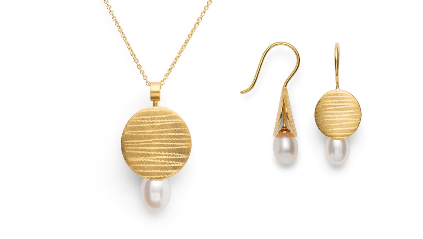 Ring und Ohrschmuck mit Perle, vergoldet